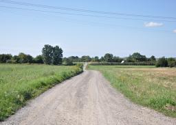 Istniejąca ul. Wojskowa. Miejsce planowanego przebiegu drogi ekspresowej S19.