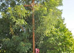 Istniejąca droga krajowa DK 19/74. Miejsce kultu religijnego przewidziane do przeniesienia w trakcie realizacji robót.